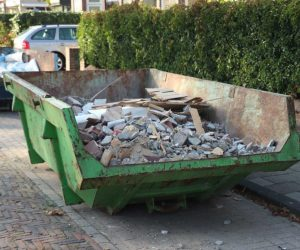 składowanie odpadów na działce